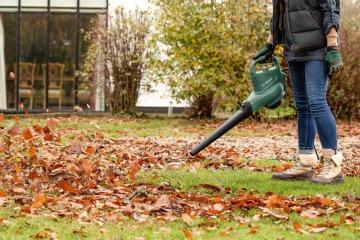 Bosch Universal Garden Tidy Bladblazer review